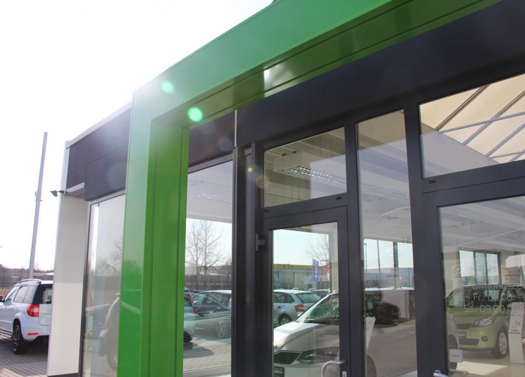 2-komponentenbeschichtung-aluminium-autohaus-hoyerswerda-2