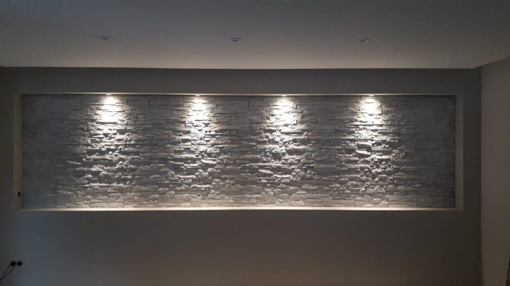 Steinwand inkl. LED